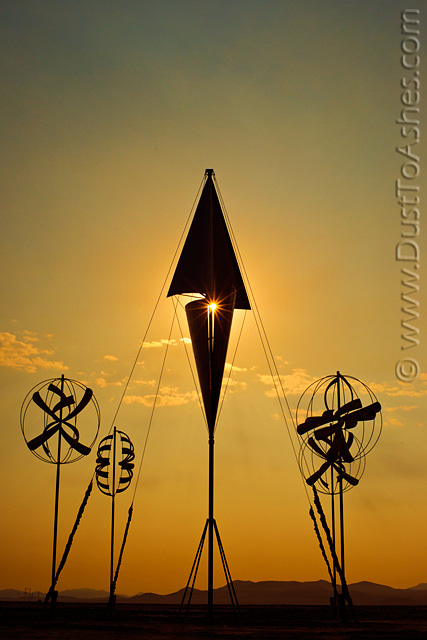 Moving wind art