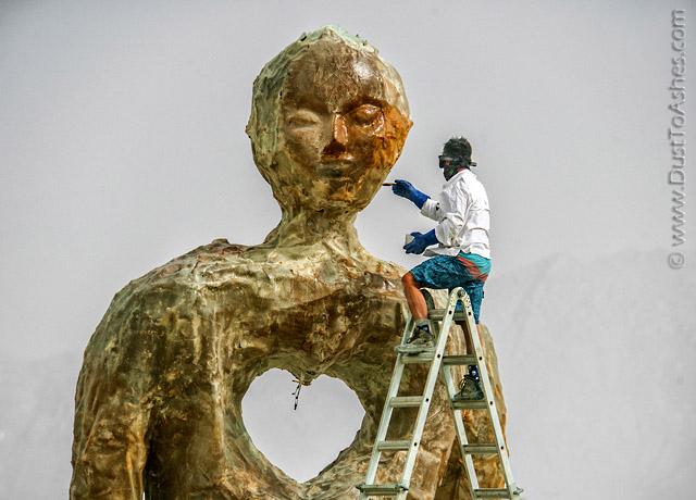 Unisex sculpture